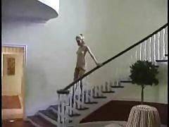 Beautyfull mature lady walking nude arround the house