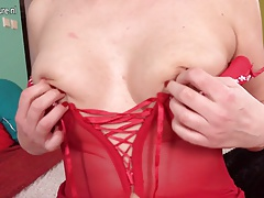 Hot and steamy housewife sure knows how to please herself