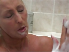 NICE WOMEN IN THE BATH 3