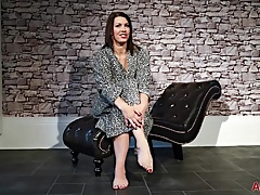 Compilation of Curvy Busty Mom Raven on AllOver30