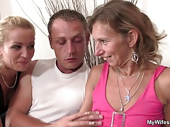 She watches her old mom and boyfriend fucking