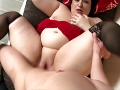 Big mature mothers suck and fuck slim young lovers